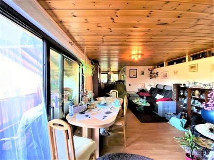 Großzügige 5-Zimmer Etagenwohnung in Hauskonzept in idyllischer Lage von Laudenau