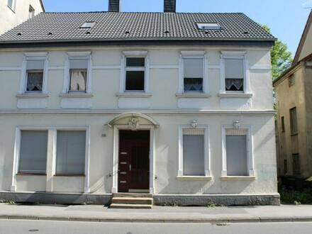 Renovierungsbedürftiges Zweifamilienhaus mit schönem Gartengrundstück - Dortmund-Marten
