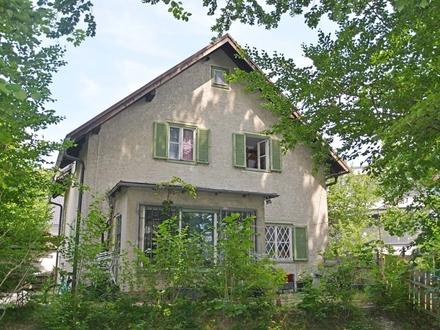 Tapetenwechsel... Grundstück mit Altobjekt für Liebhaber eigener Wohnideen in beliebter Stadtlage