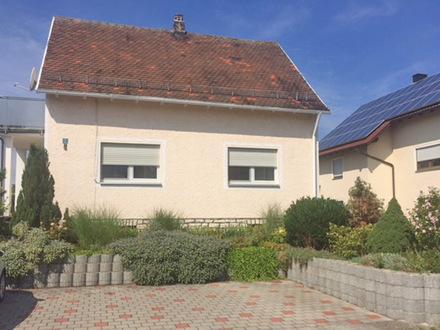 Idyllisch angelegtes Grundstück mit gemütlichen Wohnhaus