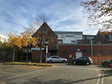 5 freie Wohnungen & 535 m² Gewerbefläche und 1 Geschäftshaus
