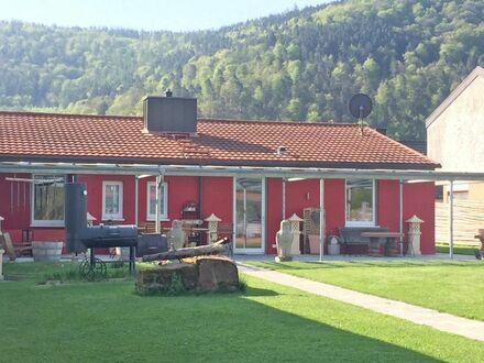 MULTI-Talent sucht neuen Eigentümer - Bungalow + große Gewerbeflächen