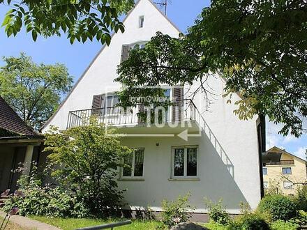 Repräsentatives EFH mit eigenem Wohn-/ Büro- /Praxisgebäude in bester, ruhiger Innenstadtlage! *Zwei Häuser auf parkähnlichem…