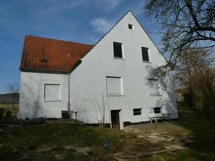 Kernsaniertes Zweifamilienhaus mit Ausbaupotenzial!
