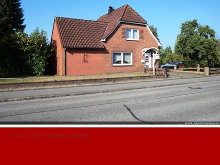 Solides Einfamilienhaus mit Anbau in 25712 Hochdonn