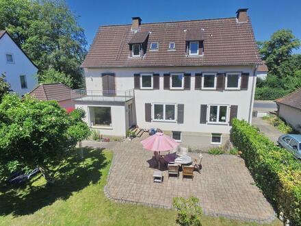 großes, renoviertes Zweifamilienhaus mit viel Charme und großem Garten