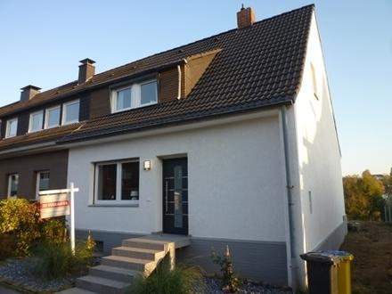Preisreduzierung: Modernisiertes Einfamilienreihenendhaus mit Garten in Dortmund-Berghofen zu verkaufen