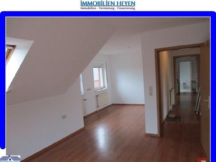 !!!Obergeschosswohnung mit Balkon und separatem Eingang!!!