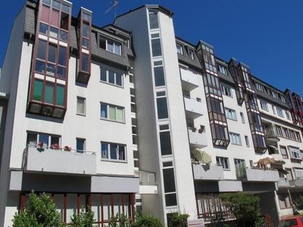 Jung & Kern Immobilien - Helle Stadtwohnung mit 2 Tiefgaragenstellplätzen