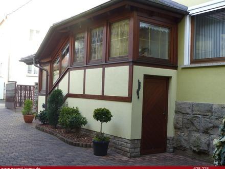 Großzügiges Familienhaus mit ehemaliger Scheune