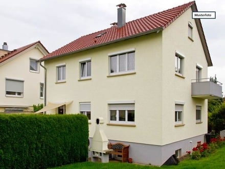 Teilungsversteigerung Einfamilienhaus in 76275 Ettlingen, Josef-Stöhrer-Weg