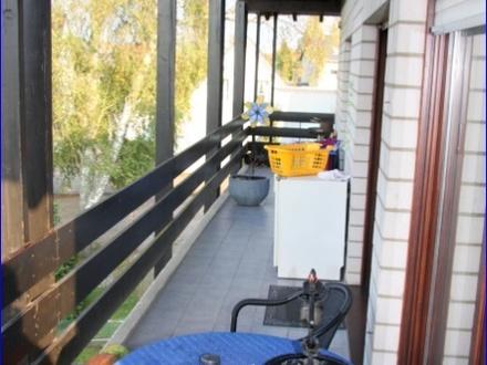 Großzügige 3 Zimmerwohnung im 1. OG mit großem Balkon und Blick ins Grüne in Bad Oeynhausen Werste