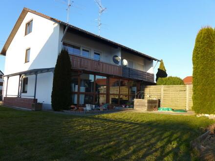 Familien aufgepasst : Charmante Doppelhaushälfte in Aitrach zu vermieten!