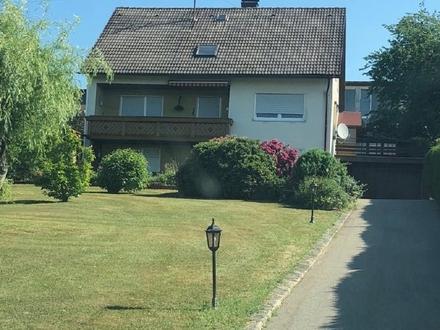 Gepflegtes Einfamilienhaus mit Einliegerwohnung und großem Grundstück