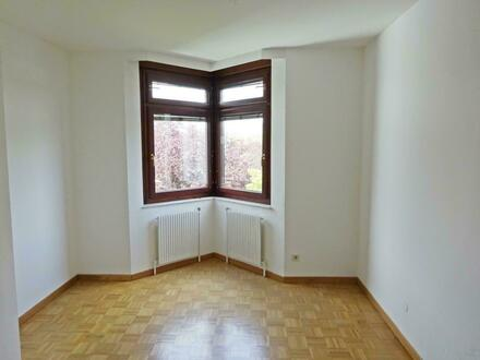 5 Zimmer ETW mit Balkon!