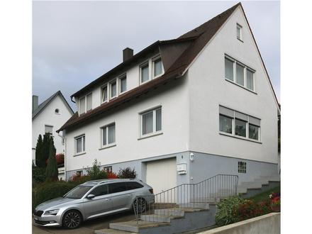 REMAX - Freistehendes Zweifamilienhaus mit atemberaubendem Ausblick zuverkaufen!