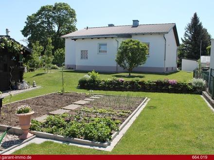 Sehr gepflegtes Einfamilienhaus in der Nähe von Vohburg a. d. Donau mit wunderschönem Garten