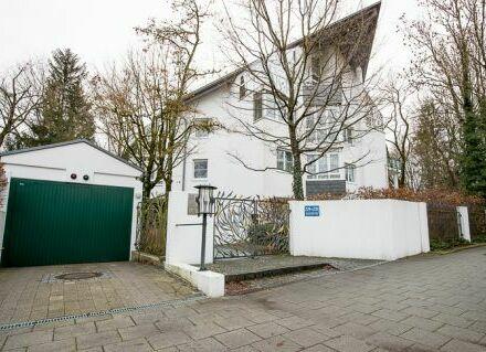 *Elegant - Stilvoll - Exklusiv* Ihr Wohnjuwel im Münchner Süden