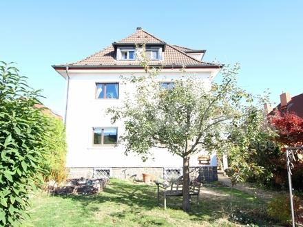 Freist. 2-Familienhaus mit Garten!