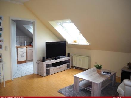 Traumhafte 3 Zimmer-Dachgeschoss-Wohnung mit Sonnenbalkon in Kürnach!
