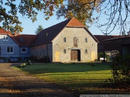 Pferdeställe und wirtschaftl. Gebäude auf einer alten Kornbrennerei zu verpachten