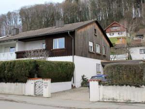 ...gepflegte Doppelhaushälfte in Burghausen