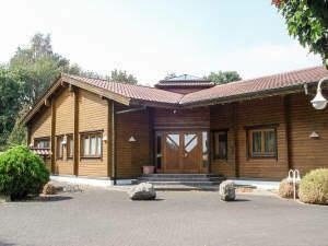 Repräsentativer Saunabetrieb mit stilvollem Betriebsleiter-Wohnhaus