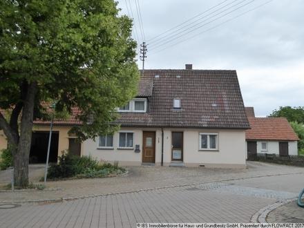 Hier können Sie einfach einziehen: Gemütliches, gepflegtes Wohnhaus mit Garten und Garage