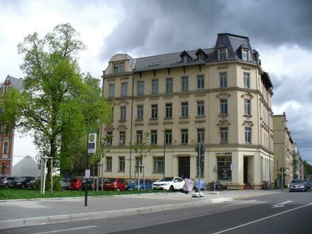 Die Universität gleich um die Ecke - 2 Raum Wohnung WG geeignet