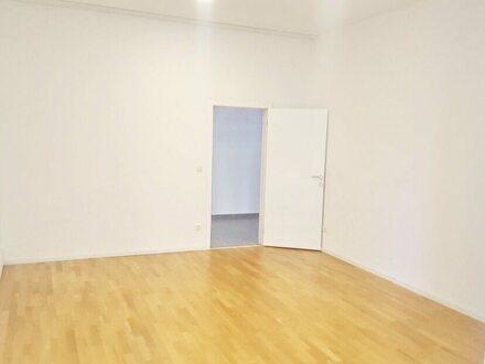 3 großzügige, neu renovierte 2+3 Zimmer-Wohnungen mit Loft-Charakter zu verkaufen