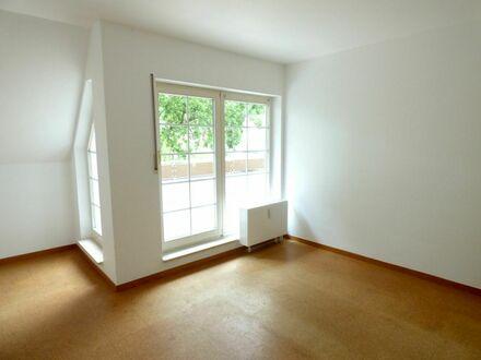 7 0 0,- für 6 6 qm SOFORT freie DACH- TERRASSEN- Wohnung in TOP Lage am Naturschutzgebiet