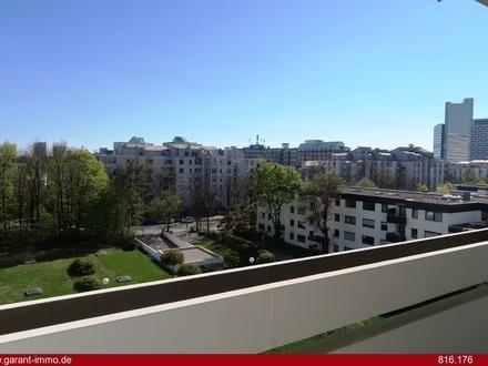 Arabellapark: Moderne 1 Zimmer-Wohnung mit Südbalkon und Schwimmbad auf Dachterrasse