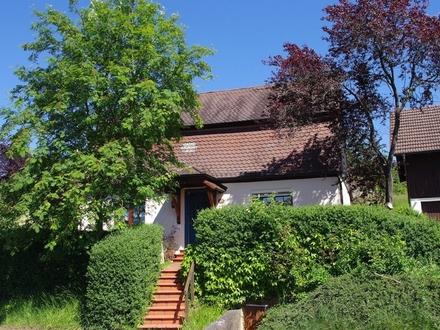 Charmantes, saniertes Einfamilienhaus mit überschaubarem Grundstück in Großheirath