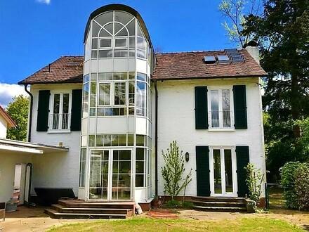 Villa mit Pool in Frankfurt Sachsenhausen