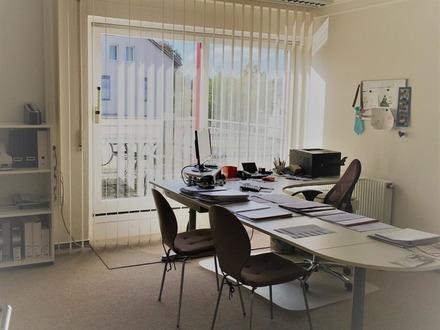 Der Preis ist heiß, unter Euro 1.450,-- pro Quadratmeter Wohnfläche....für viel Raum!