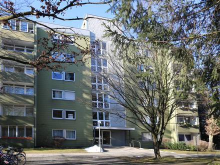 Frisch renovierte 3 Zimmerwohnung mit Tiefgaragenstellplatz