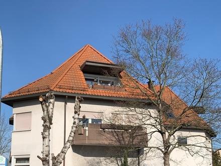 Ganz oben ist es am schönsten - Top 3-ZKB-Dachgeschosswohnung mit Terrasse