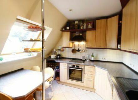 *Provisionsfrei* gepflegtes Haus mit 2 Wohnungen, großem Grundstück in ruhiger Top-Lage