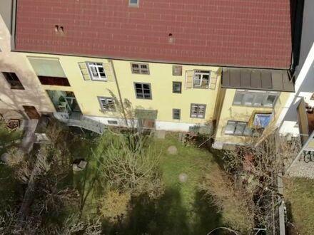 Klagenfurt - Wulfengasse: Stadthaus mit 4 Wohneinheiten (3 davon vermietet) und entzückendem Garten