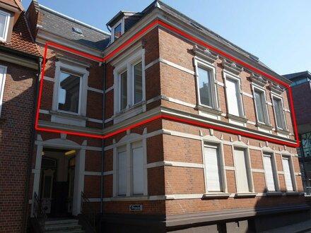 schöne Altbau-Büro-/Praxisfläche in zentraler Lage, komplett renoviert