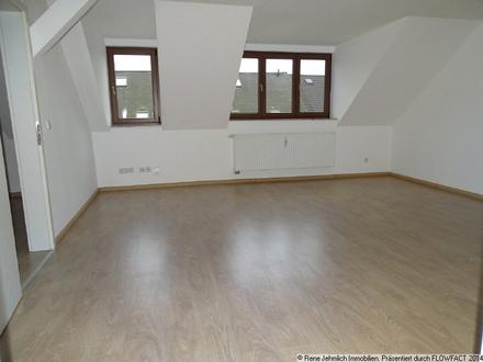 3 Raum Dachgeschoßwohnung...