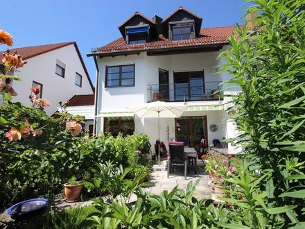 Sehr große und bestens ausgestattete Doppelhaushälfte in Ulm-Jungingen