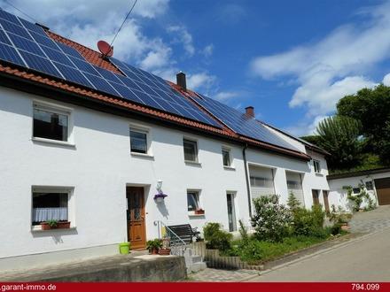 Gepflegtes, sehr gut renoviertes Bauernhaus mit PV-Anlage