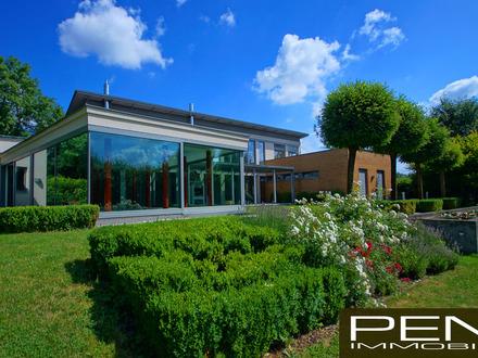 WEISSKIRCHEN b. Linz: Stilvolle Architektenvilla auf parkähnlichem Grundstück