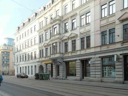 Große 3-Zimmer-Wohnung mit Balkon