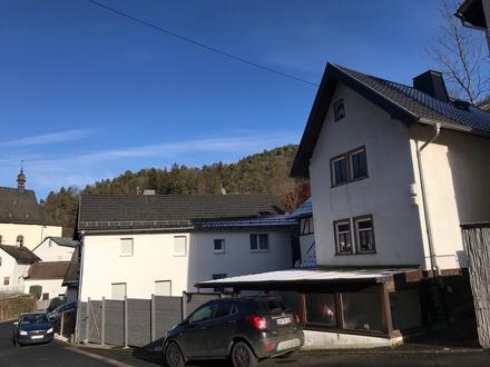 Zwei nebeneinander liegende Einfamilienhäuser in Niedergladbach zu verkaufen!
