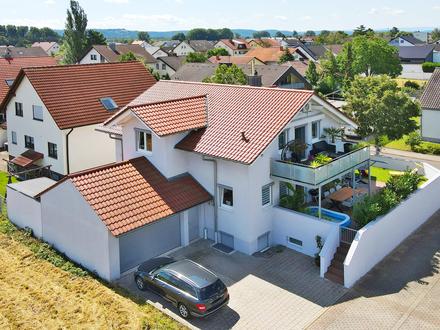 Attraktives, freistehendes 1 - 2 Familienhaus in sehr schöner Lage