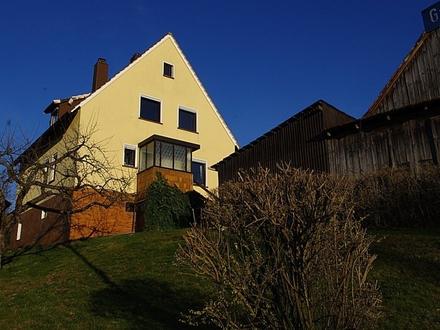 +++RESERVIERT+++Solides Einfamilienhaus in herrlicher Lage mit Garten, Scheune und Garagen