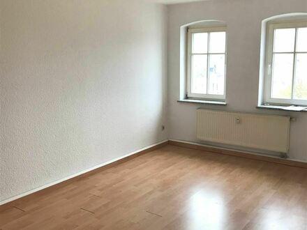 Schöne 2-Raum-Wohnung über 2 Etagen mit Einbauküche