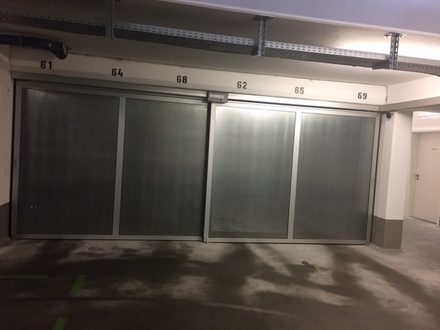 Tiefgaragenstellplatz gegenüber Schloßpark zu vermieten